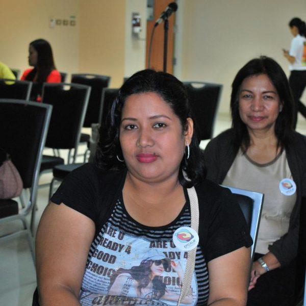 Ms. Arlene Bismanos, R (Leukemia Patient). At background is  Ms. Rizalina Mauricio, L (Mother of Leukemia patient Rommel Mauricio)