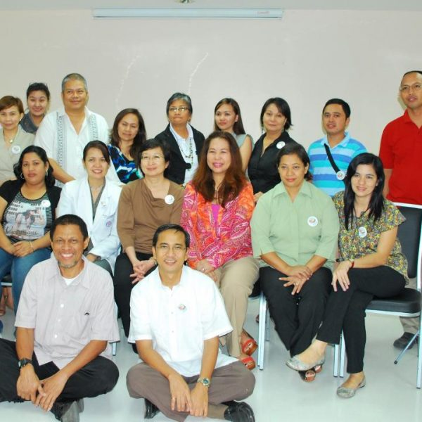 Dr. Ann Chao (middle) with EPCALM Patients, Patient Relatives, EPCALM Staff and Volunteers